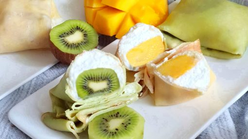hong kong kiwi and mango pancake with whipped cream
